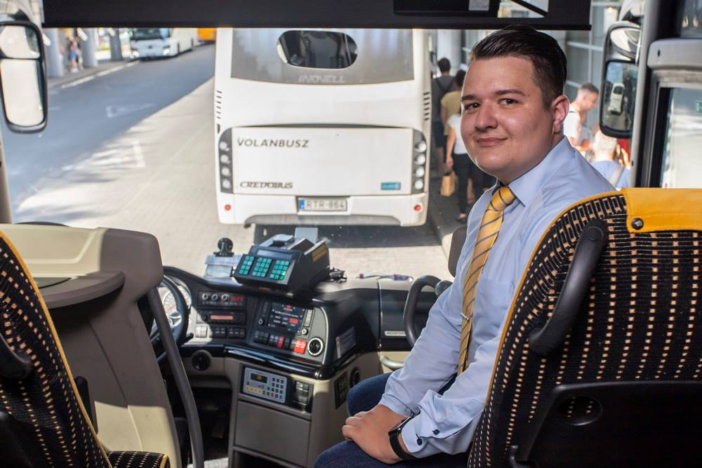 autóbusz-vezető