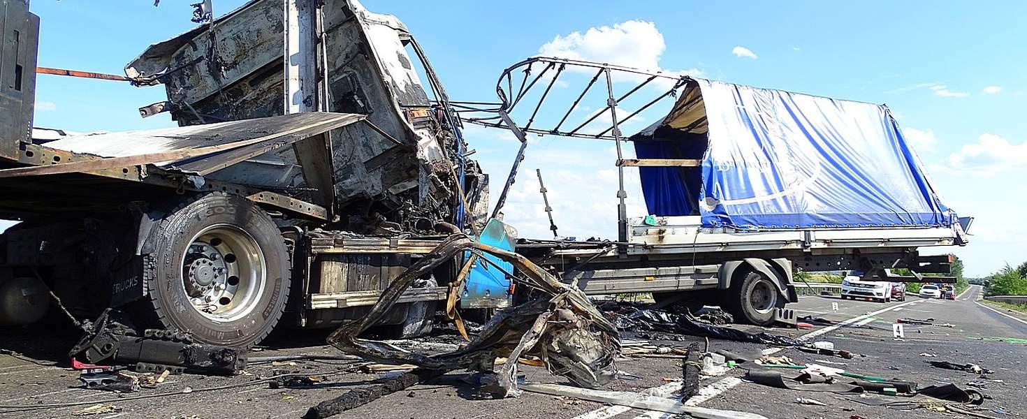 4-es főúton elhunyt kamionos