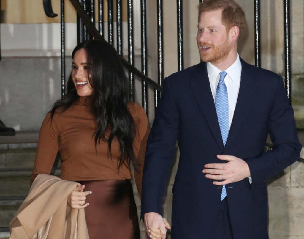 Meghan és Harry be akarják mutatni kislányukat a királynőnek