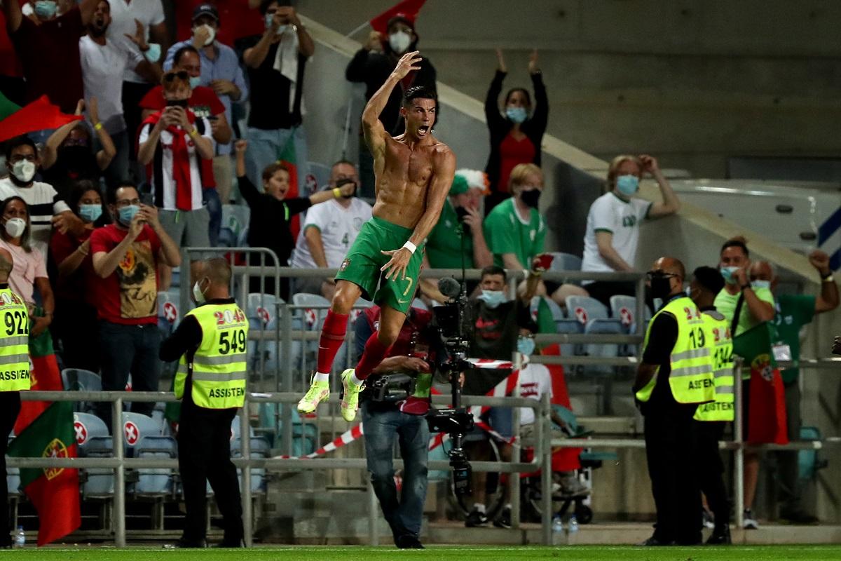 Két hajrágóljával a mennybe ugrott C. Ronaldo