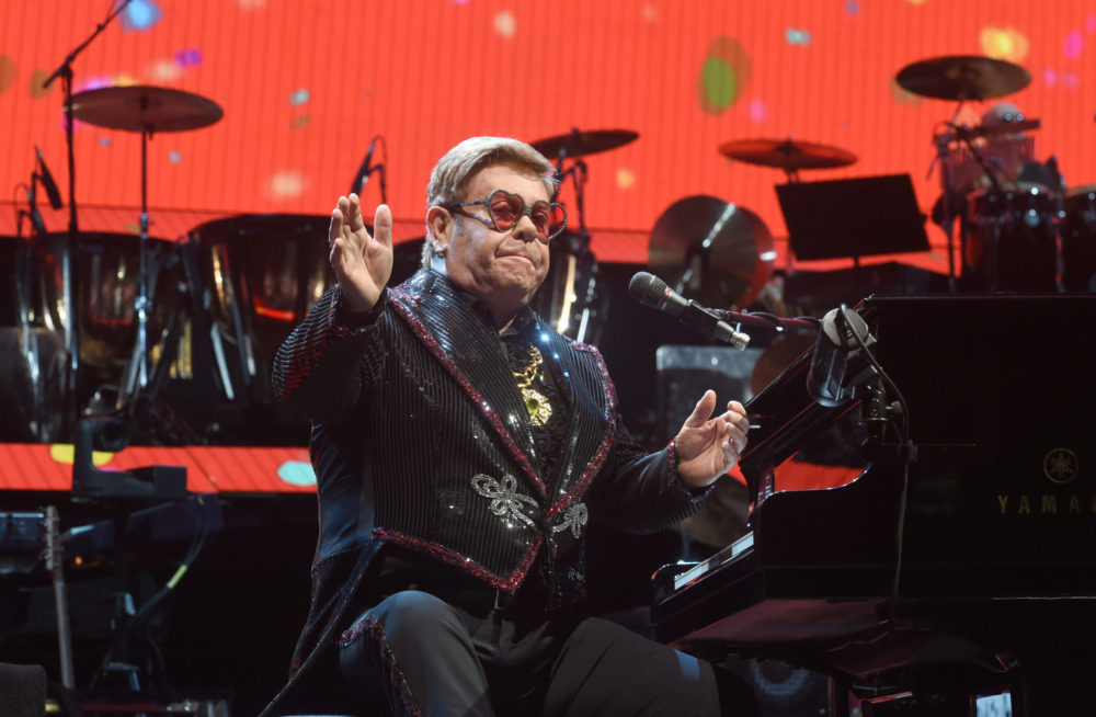 Jó ideig nem fog koncertezni Elton